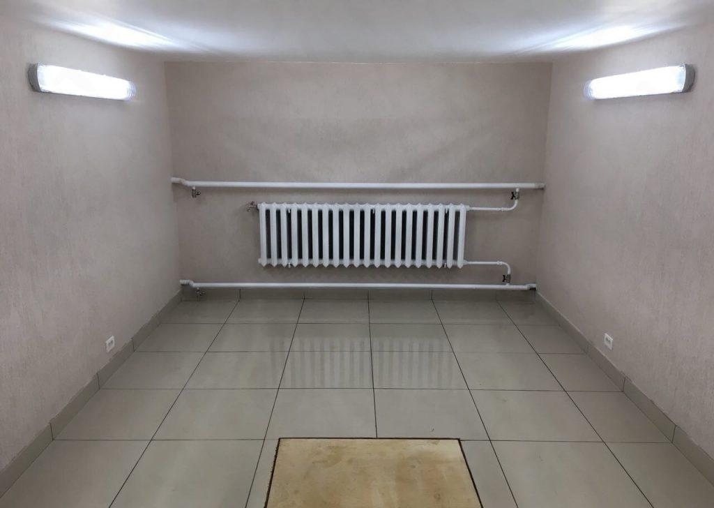 Напольное покрытие из плитки для гаража